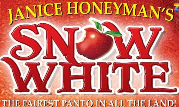 REVIEW : SNOW WHITE PANTOMIME THE FAIREST PANTO IN ALL THE LAND AND WIN!